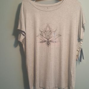 Gaiam Intention Lotus Yoga Tee Size M Nwt